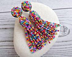 Colorful Multicolor beaded tassel earrings, Rainbow stud seed bead earrings, Oscar de ra renta earrings, Boho Statement tassel for women de perlas Beaded Earrings Patterns, Beaded Tassel Earrings, Seed Bead Earrings, Etsy Earrings, Earrings Handmade, Seed Beads, Beaded Jewelry, Beaded Chandelier, Chandelier Earrings