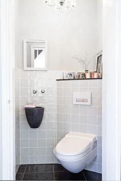 Geberit toilet for main toilet White Bathroom, Small Bathroom, Master Bathroom, Small Toilet, New Toilet, Traditional Toilets, Downstairs Toilet, Toilet Room, Toilet Design
