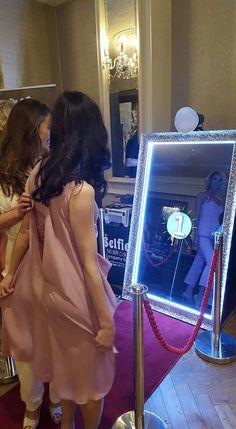 SnapME Interactive Mirror PhotoBooths Wedding Photo Booths Byron Bay