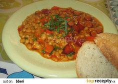 Pálivý fazolový kotlík recept - TopRecepty.cz Ratatouille, Chana Masala, Thai Red Curry, Ethnic Recipes, Food, Red Peppers, Essen, Meals, Yemek
