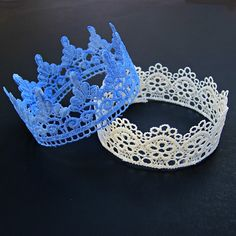 Make fancy lace crowns and tiaras that are perfect for kids parties and playing dress-up! Crafts For Kids, Arts And Crafts, Diy Crafts, Crochet Projects, Craft Projects, Craft Ideas, Lace Crowns, Princess Tea Party, Princess Crowns