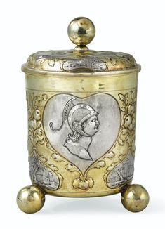 Grand gobelet couvert en argent et vermeil, par Simon Wickert, Augsburg…