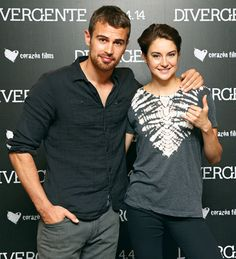 Divergent stars Theo James and Shailene Woodley pose at a photo call in Mexico City, Mexico on Mar. 24