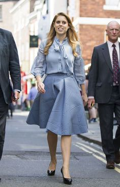 Princess Beatrice Beatrice looked so chic on Monday afternoon when she stepped out for a female entrepreneurship event in London. The royal chose to recycle a beautiful blouse and skirt which she first wore for a visit to the York Mystery Plays in Bow Blouse, Blouse And Skirt, Eugenie Of York, Princess Beatrice, Princess Eugenie, Surprise Engagement, Royal Clothing, Alexander Mcqueen Dresses, Duchess Of York