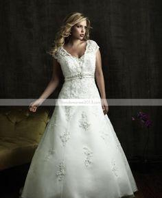 Awesome A-line V-neck Manches courtes Appliques Chapelle Floor-Length Taille Plus robe de mariée