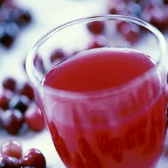 Cranberry juice - 10 Foods to Avoid If You Have Overactive Bladder - Health Mobile