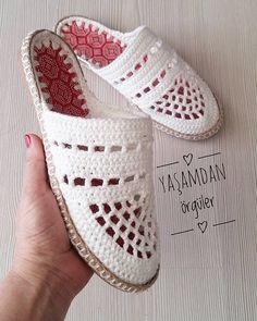 Crochet Shoes Pattern, Shoe Pattern, Crochet Lace, Crochet Stitches, Crochet Patterns, Crochet Boot Socks, Crochet Sandals, Cute Slippers, Knitted Slippers