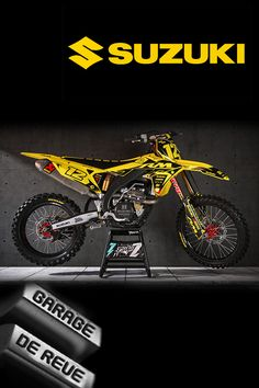 Qui n'a jamais rêvé d'avoir ce genre de garage chez soi ? #honda #crf #yamaha #yz #ktm #sx #suzuki #rm #kawasaki #kx #husqvarna #tm #2stroke #twostrokes #bikeporn #motorcycle #motocross #dirtbike #sick #abonnetoi  Suzuki Dirt Bikes, Dirt Bike Gear, Mx Bikes, Sport Bikes, Dirt Biking, Enduro Motocross, Bmx, Honda, Husqvarna