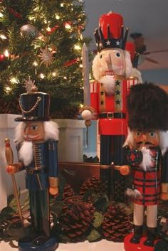 It's the little things that make a house a home...: Christmas 2009 - Home Tour...