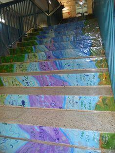 Riu baixant per les escales. Fet amb aquarel·les i grafismes