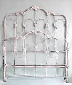 Original Antique Iron Bed Details Source by greatdiamond. Antique Iron Beds, Wrought Iron Beds, Wrought Iron Fences, Painted Iron Beds, White Iron Beds, Diy Bed Frame, Bed Frames, Red Bedding, Floral Bedding