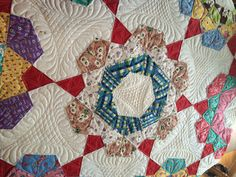 1930's era pattern, quilted by Sheri Butler This is a one-patch (kite) pattern called Rose Star. Machine Quilting Designs, Quilting Tips, Free Motion Quilting, Hexagon Quilt, Hexagons, Antique Quilts, Vintage Quilts, Star Blocks, Quilt Blocks