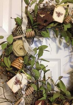 Left side of bee wreath Bee Crafts, Diy And Crafts, Burlap Roses, Bee Creative, I Love Bees, Bee Skep, Bee Art, Save The Bees, Bee Happy