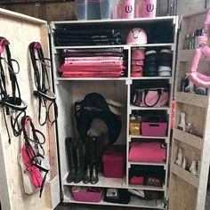 Horse Tack Rooms, Horse Stables, Horse Barns, Horse Riding Tips, Horse Riding Clothes, Horse Gear, Tack Room Organization, Tack Locker, Tack Box