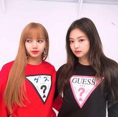 blackpink, lisa, and jennie image South Korean Girls, Korean Girl Groups, Divas, Hyuna, Usa Jeans, Black Pink Kpop, Blackpink Photos, Jennie Blackpink, Blackpink Jisoo