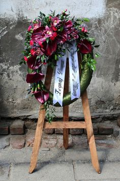 Grave Flowers, Funeral Flowers, Funeral Floral Arrangements, Flower Arrangements, Wreaths For Front Door, Door Wreaths, Cemetary Decorations, Sympathy Flowers, Post Wedding