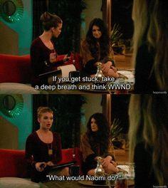 90210 - Naomi hahaha