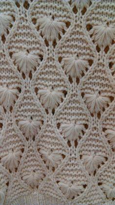 H&M shell knit Knitting Stitches, Knitting Patterns, Baby Vest, Floral Embroidery, Stitch Patterns, Knit Crochet, Blanket, Creative, Eminem