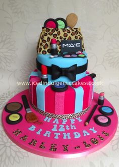 MAC Make up Cake :)