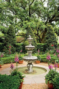 Create a private sanctuary in your yard with inspiration from these beautiful courtyard garden designs. Garden Soil, Gardening, Water Garden, Herb Garden, Garden Landscaping, Home And Garden, Patio Gardens, Side Garden, Dream Garden