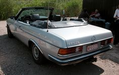 It says 280 CE on the back, but it has a 2.4 liter diesel engine under the bonnet.  The cabriolet version had to be hand made, because Daimler-Benz never made them in the factory.  Last Saturday I went to a technical meeting of my Mercedes-Benz W123 club.