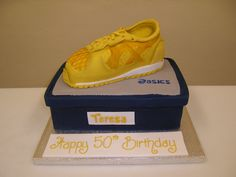 A Birthday cake for the more energetic! #jogger #cake #cakedecoration