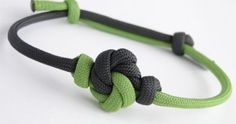 How to Make a Mandala Knot Paracord Sliding Knot Friendship Bracelet