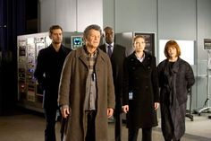Still of Blair Brown, Joshua Jackson, John Noble, Lance Reddick and Anna Torv in Fringe
