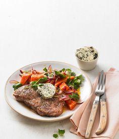 Fruchtig-scharfer Papayasalat flankiert das Steak, würzige Nori-Algen-Butter hält dagegen. Was für eine großartige Kombi! Und in nur 40 Minuten steht diese exotische Köstlichkeit auf dem Tisch.