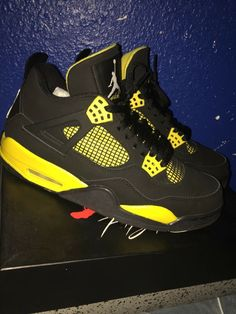info for 3f165 338e5 Jordan 4 Thunder Size 9  fashion  clothing  shoes  accessories  mensshoes   athleticshoes (ebay link)