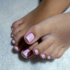 Unhas dos pés com cores e eamaltes perfeitos French Pedicure, Manicure E Pedicure, Pedicures, Nice Toes, Pretty Toes, Beautiful Toes, Nail Artist, Sexy Feet, Swag Nails