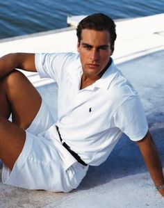 The most popular men's Ralph Lauren polo shirts are the most striking and invaluable addition to your outerwear collection. Polo Ralph Lauren, Ralph Lauren Style, Preppy Boys, Preppy Style, Preppy Mens Fashion, Men's Fashion, Vintage Fashion, All White Mens Outfit, Polo Shirt Outfits