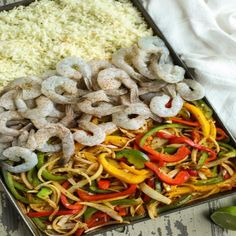 One-Pan Shrimp Fajita Bowls May The Real Food DietitiansThese One-Pan Shrimp Fajita Bowls are a game-changer!This post was created in partnership wit Healthy Meals For One, Healthy Eating, Healthy Recipes, Keto Recipes, Fun Recipes, Healthy Dishes, Healthy Food, Seafood Recipes, Dinner Recipes