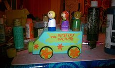 Mystery Machine and the gang