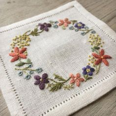Wonderful Ribbon Embroidery Flowers by Hand Ideas. Enchanting Ribbon Embroidery Flowers by Hand Ideas. Brazilian Embroidery Stitches, Types Of Embroidery, Embroidery Needles, Learn Embroidery, Silk Ribbon Embroidery, Crewel Embroidery, Cross Stitch Embroidery, Embroidery Scissors, Flower Embroidery