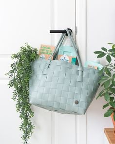 Zit Seepje ook in jouw boodschappentas? Tote Bag, Instagram Posts, Bags, Handbags, Totes, Bag, Tote Bags, Hand Bags