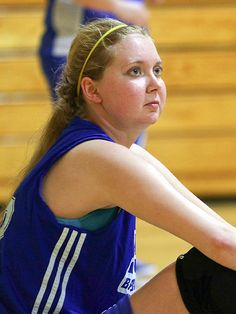 College Athlete with Brain Tumor Sinks Layup at First and Possibly Last Basketball Game http://www.people.com/article/lauren-hills-sinks-layup-brain-tumor #1more4lauren