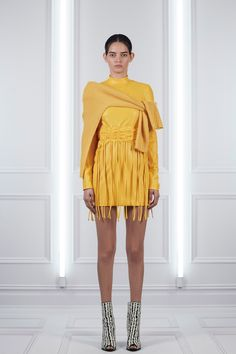 Sally LaPointe Resort 2018 Fashion Show Collection: See the complete Sally LaPointe Resort 2018 collection. Look 18 Fashion 2018, Fashion Week, Fashion Brands, Fashion Looks, Fashion Outfits, Yellow Fashion, Amai, Young Fashion, Fashion Show Collection