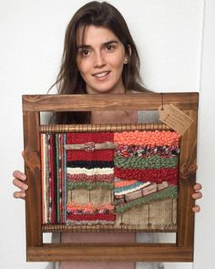 Made in Chile with natural wool and driftwood from Lago Puyehue. It takes me 3 weeks to do it and 3 more weeks the delivery. Weaving Loom Diy, Weaving Art, Tapestry Weaving, Hand Weaving, Weaving Wall Hanging, Hanging Wall Art, Yarn Crafts, Sewing Crafts, Deco Boheme Chic