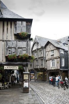 The French Brittany traveling for 7 days this beautiful region - Travel Journeys of France - Elenaburn - LosViajeros Us Travel, Places To Travel, Places To Visit, Saint Suliac, Beautiful World, Beautiful Places, Francia Paris, Street Fighter Motorcycle, Diy Go Kart