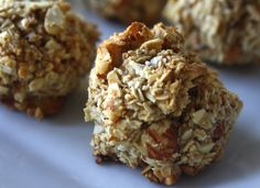 """Granola """"cookies"""". Even I can manage this healthy substitute!  From the healthy housewife"""