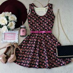 Vestido Clara Cavado no Neoprene C/ BOJO Rodado( Mini flores /fundo preto)