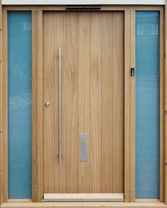 Nordan har lignende dør - men hvem har slikt dørhåndtak? Urban Front - Contemporary front doors UK | designs c-range | porto