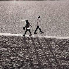 Maca vs. Woad / The Boyfriend Selvedge vs. The Classic regular Selvedge Premium Japanese Selvedge Denim made in Italy. #style #outfit #selvedge #selvedgedenim #selvedgedenimjapan #japaneseselvedgede #madeinitaly #germandesign #fashion #mood #denim #boyfriendjeans #regularfit #classic #premiumdenim #saat #saatmunich Visit saatmunich.com for more
