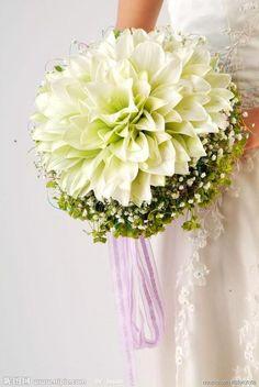 www.weddbook.com everything about wedding ♥ Glamelia White Lily Wedding Bouquet   #weddbook #wedding #flower