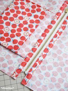 レシピ りんご12-4 Sewing Hacks, Sewing Crafts, Sewing Projects, Mochila Tutorial, Diy Purse, Wallet Pattern, Patchwork Bags, Fabric Bags, Cotton Bag