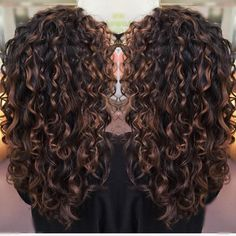 71 most popular ideas for blonde ombre hair color - Hairstyles Trends Ombre Curly Hair, Brown Curly Hair, Colored Curly Hair, Curly Hair Tips, Long Curly Hair, Curly Hair Styles, Natural Hair Styles, Curly Balayage Hair, Curly Girl