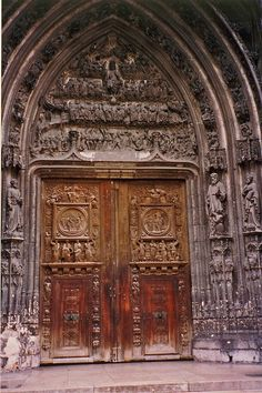 Rouen Cathedral Door Gothic Buildings, Gothic Architecture, Abandoned Buildings, Portal, Entry Gates, Entrance Doors, Rouen, Rustic Doors, Le Havre