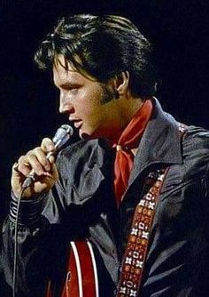 Elvis Presley how he could sing
