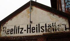 Beelitz-Heilstätten - Zwischen 1898 und 1902 entstanden (Tuberkulose). Eine Lungenheilanstalt für Frauen und Männer, sowie zwei getrenntgeschlechtliche Sanatorien. In den beiden Weltkriegen wurde das Gebäude als Lazarett für verletzte Soldaten verwendet. Der wohlbekannteste verwundete Soldat war 1916 Adolf Hitler. Nach dem Ende des zweiten Weltkriegs übernahm die sowjetische Armee die Heilstätten. Bis 1994 wurde das Gelände als größtes Militärspital außerhalb Sowjetrusslands genutzt.